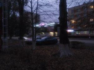Движущиеся авто в вечернее время