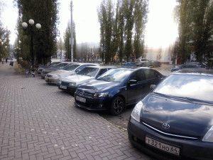 Припаркованные машины