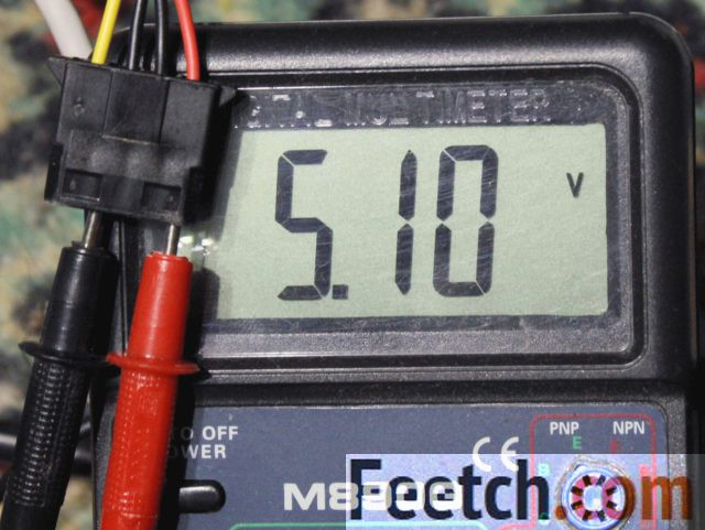 Измерения тестером красного провода