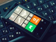 Обзор Windows Phone 7.8 на примере Nokia Lumia 800