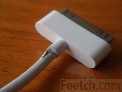 Переломленный провод зарядки iPad